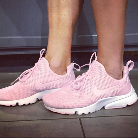 the best attitude 254d8 ce954 NIKE PRESTO FLY PINK WOMENS SHOES SIZE 7.5 NEW NWT